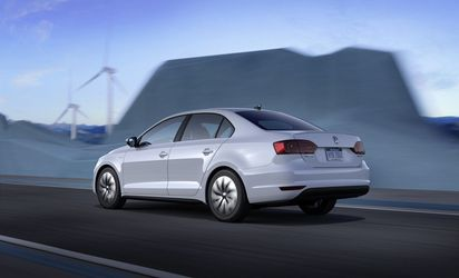 volkswagen-jetta-hybrid-performances